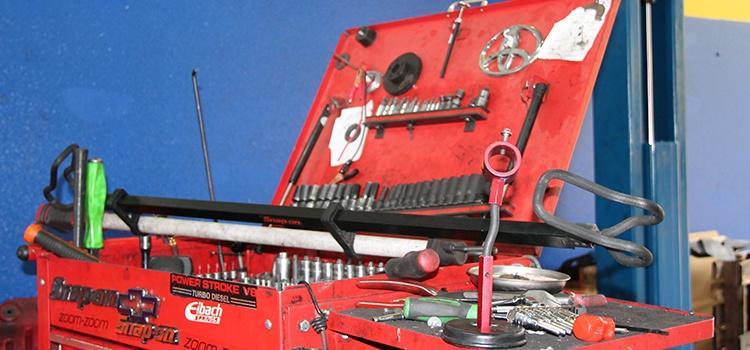 Auto Repair Las Vegas mechanic